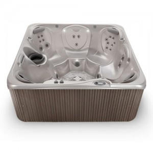 RHYTHM® 7 PERSON HOT TUB